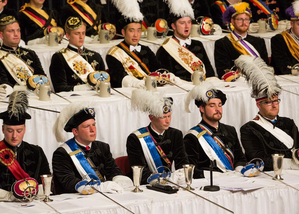 Chargierte verschiedener Burschenschaften während des Festkommers am 12. Juni 2015 im Volkshaus in Jena.