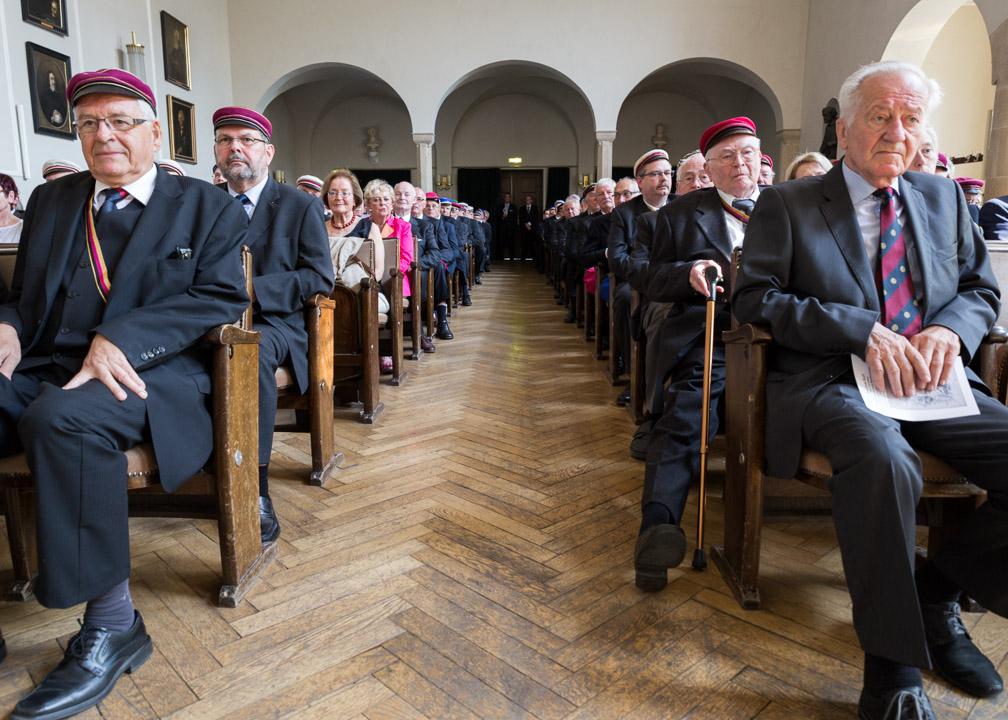 Links Oberbürgermeister a.D. Peter Röhlinger und rechts Festredner Dr. Dieter Haack (Bundesminister a.D.) waren Ehrengäste beim Festakt zum 200. Jahrestag der Burschenschaft.